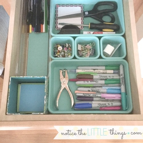 organize your small desk space to make it work for you. small space ideas for organizing drawers and cabinets to maximize your desk space. #organizeddesk #deskideas #officedecor #kitchendesk #kitchendeskorganization #officecommandcenter #commandcenter #organizedcommandcenter #commandstationideas #organizingasmalldesk #organizeddeskdrawers #organizeddrawers #drawerorganization #smallspaceideas #organizingasmallspaces #organizedoffice #girlyoffice