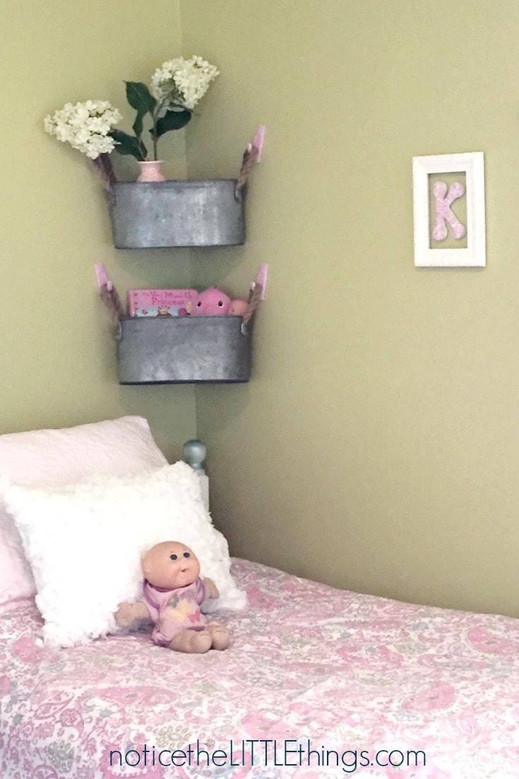 clean kid's room