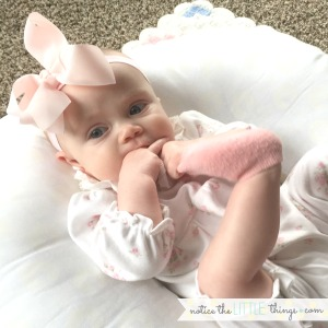 baby bows and baby feet