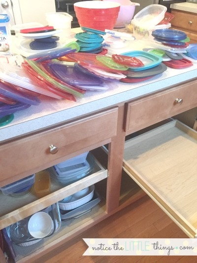 how to organize tupperware